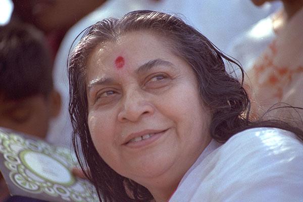Vízöntő korszak hírnöke Shri Mataji